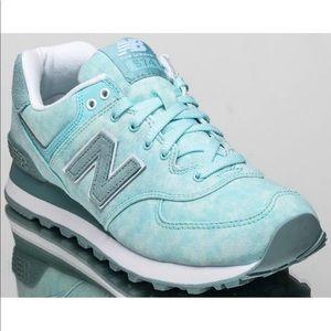 New Balance 574 blue cloud shoes sz 7.5